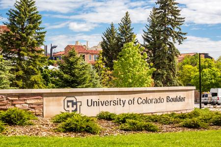 Entrance to University of Colorado Boulder Redactioneel
