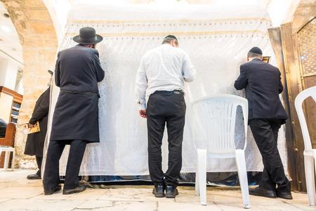 synagogue: Men praying in Rachels Tomb Synagogue, Jerusalem, Israel