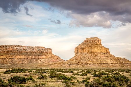 chaco: Fajada Butte in Chaco Canyon Park, New Mexico, USA Stock Photo