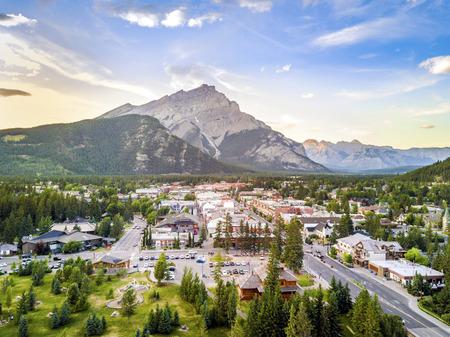 Amazing cityscape of Banff in canadian Rocky Mountains, Alberta,Canada Archivio Fotografico