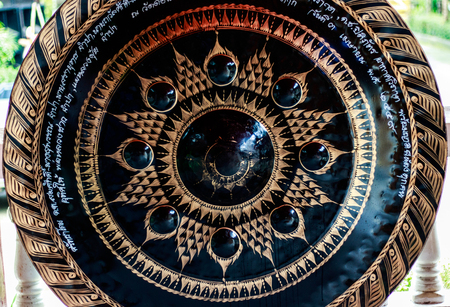 gong: Gong in temple