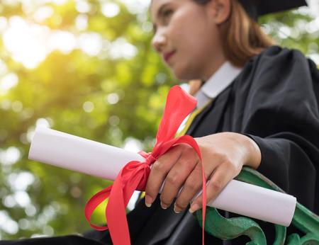 庭に卒業後免許を取得表示します。 写真素材