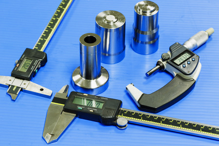 operator prepare measuring equipmen to inspection mold and die
