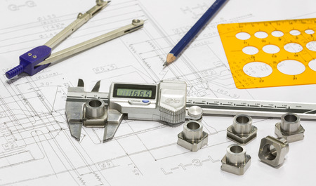 operator design and inspection automotive parts by vernier Banque d'images