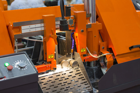 band bar: band saw cutting tool steel bar by automatic feed