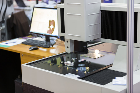 vdo: operator inspection high precision part by aotumate vision system