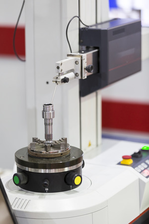 inspection automotive part by Roundness tester machine