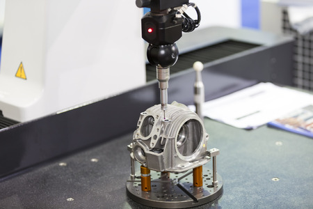 inspection automotive head cylinder dimension by CMM measuring machine