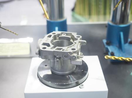 machining center: CNC machining center cutting mold by endmill cad cam