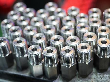 加工プロセス、量産部品、高精度部品を加工 CNC による高精度鋼自動車部品製造 写真素材