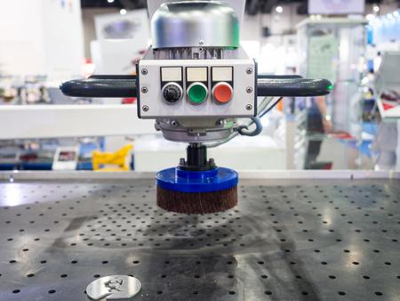 매끄러운 표면 거칠기를위한 자동 CNC 강판 연삭 기계