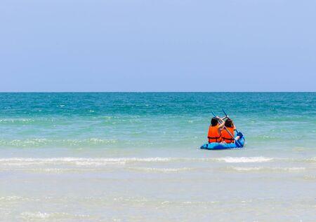 タイの海サイ ケオ ビーチのシーカヤック