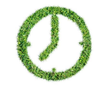 desarrollo sostenible: Render césped natural símbolo del reloj de la hoja en sobre fondo blanco