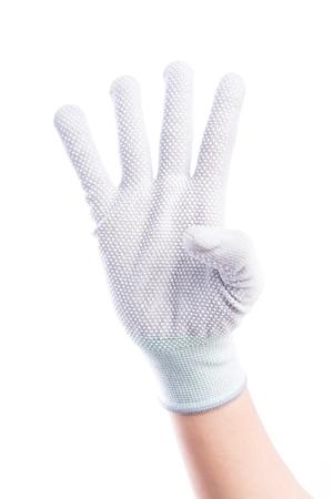 alzando la mano: Mostrar las manos de cuatro dedos con algodón aislado en el fondo blanco Foto de archivo