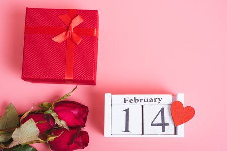 Top view of red Hearts and gift box on pink background, 14 February, valentine day concept Stock Photo