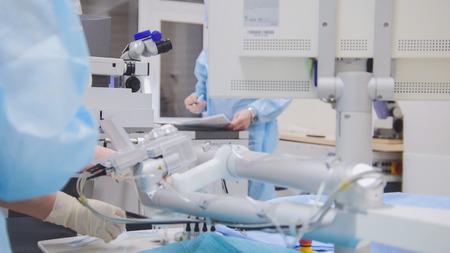 수술실 - 안과에서 수술 마취 스톡 콘텐츠