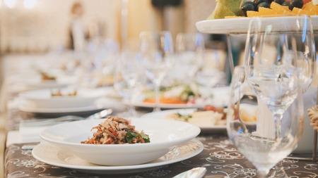 Cateringvoedsel in restaurant vóór huwelijk Stockfoto