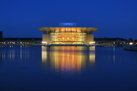 Berühmte Oper Kopenhagen Standard-Bild - 9741308