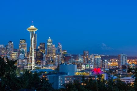seattle skyline: Seattle Skyline   Mt  Rainier