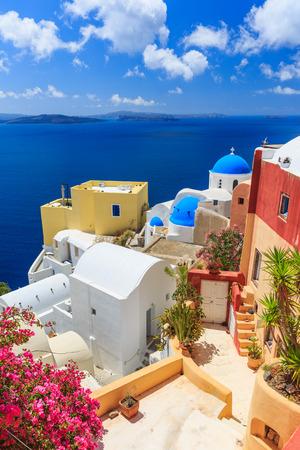 Dorf Oia, Santorini, Griechenland Standard-Bild - 32212218