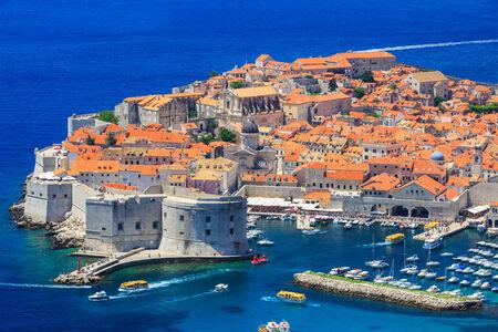 croatia dubrovnik: Panoramic view of old town Dubrovnik, Croatia