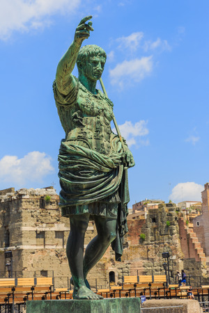 absolutism: Bronze statue of emperor Caesar Augustus on Via dei Fori Imperiali, Rome, Italy