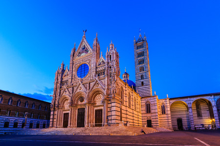 sienna: The Cathedral of Siena (Duomo di Siena) at twilight, Italy Stock Photo
