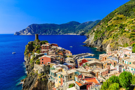 vernazza: Vernazza village. Cinque Terre National Park, Liguria Italy.