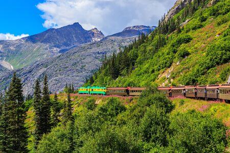 ferrocarril: El pintoresco White Pass Yukon Ferrocarril de la ruta. Skagway, Alaska Foto de archivo