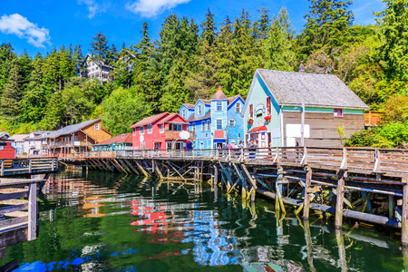 Ketchikan, Alaska. Creek Street, the historic broadwalk. Imagens - 70206798