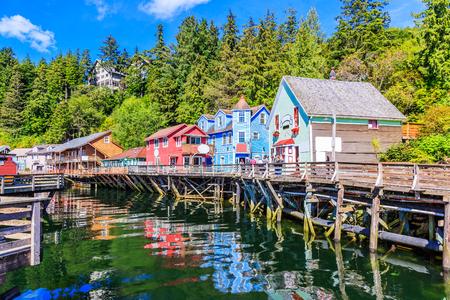 Ketchikan, en Alaska. Creek Street, le passage historique. Banque d'images - 70206798