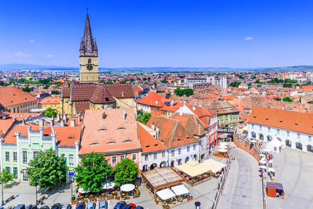 Sibiu, Romania, Lutheran cathedral tower and Small Square (Piata Mica). Stockfoto