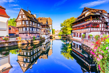 Strasbourg, Alsace, France. Maisons traditionnelles à colombages de la Petite France.