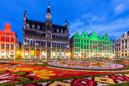 Bruksela, Belgia. Grand Place podczas festiwalu Flower Carpet 2018. W tym roku tematem przewodnim był Meksyk.