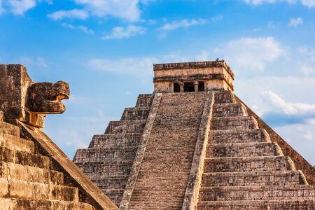 Chichen Itza, Mexico. Tempel van Kukulcan, ook bekend als El Castillo.