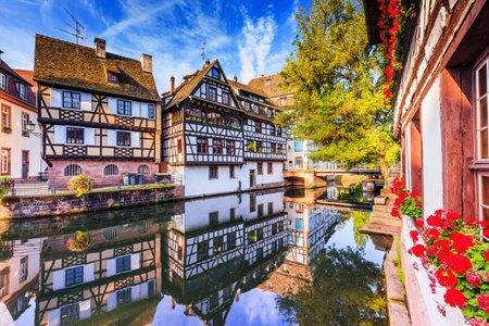 Straßburg, Elsass, Frankreich. Traditionelle Fachwerkhäuser von Petite France. Editorial