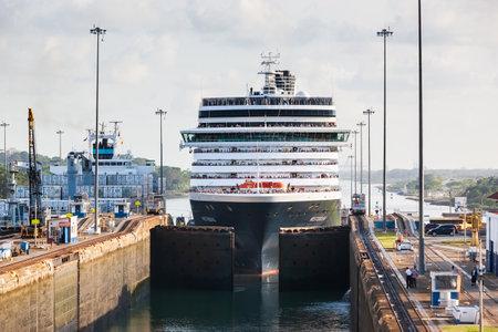Panama Canal, Panama - April 20, 2011: Ship enters locks at Gatun. 報道画像