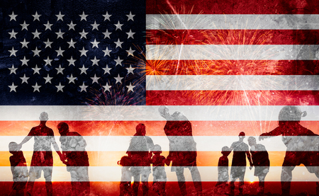 Silhouette of family happy on the Independence Day (United States) or ID4 版權商用圖片 - 123068287