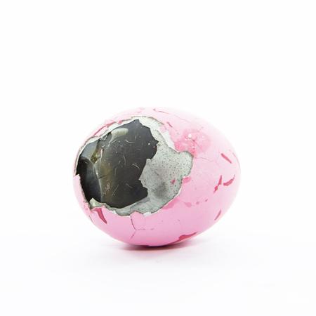 ammonia: Huevo conservado capa de la piel del pato en el fondo blanco