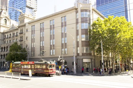 sight seeing: Free circle tram for sight seeing and travel city of melbourne Editorial