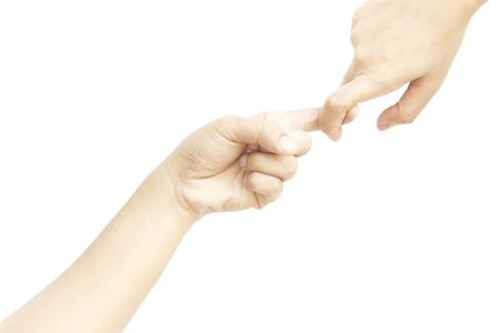 dedo meÑique: Asimiento de la mano índice juntos metáfora con la ayuda en el fondo blanco