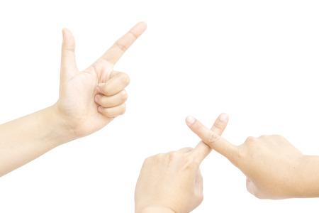 dedo me�ique: Dos personas met�fora mano dedo con verdadero o aver�a en el fondo blanco Foto de archivo
