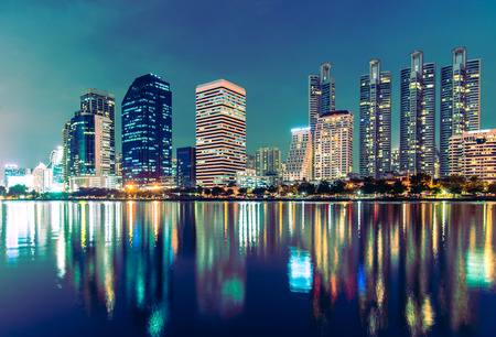 Night Cityscape at Benchakitti Park , Thailand Banque d'images