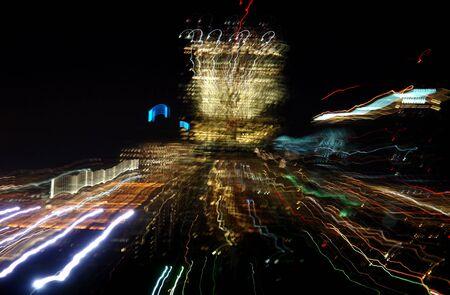 イメージの中で夜の長い露出でボストンが露光中にズームイン