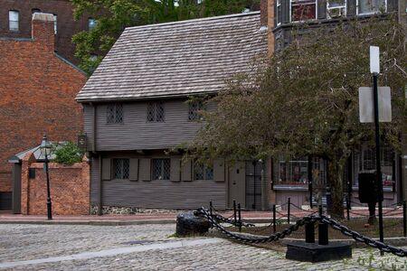 北終わりボストン マサチューセッツ ランドマーク ポール ・ リヴィア北口駅前広場の家 写真素材