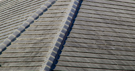 Close up of a gray stone roof in the sunshine located in florida  Reklamní fotografie