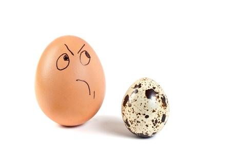 Lächerlich Bilder von menschlichen Personen auf Hühnereiern Standard-Bild