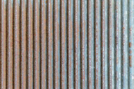 Oude roestige textuur van golfmetaal. Geroeste gegalvaniseerde ijzeren plaat