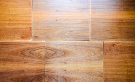 Wood Finishing Wall Panels Background. Joints of Decorative Finishing from Wood Panels on Interior, Exterior Walls or Kitchen Facades. Banque d'images