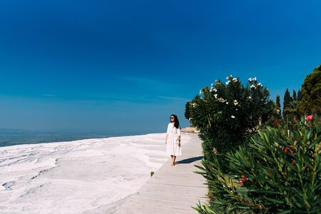 A girl walks in Pamukkale, Denizli province, Turkey. 版權商用圖片